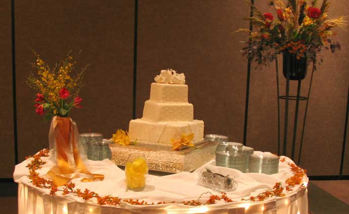 Eureka Springs Cake Table